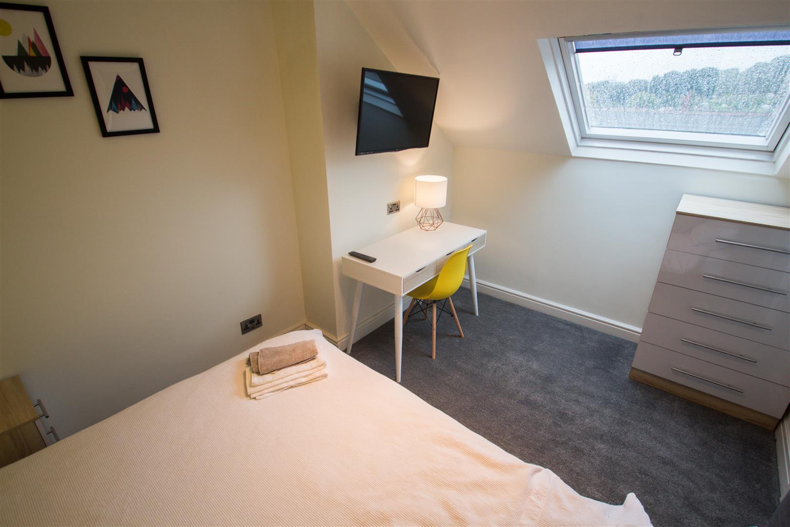Bedroom 5 .jpg